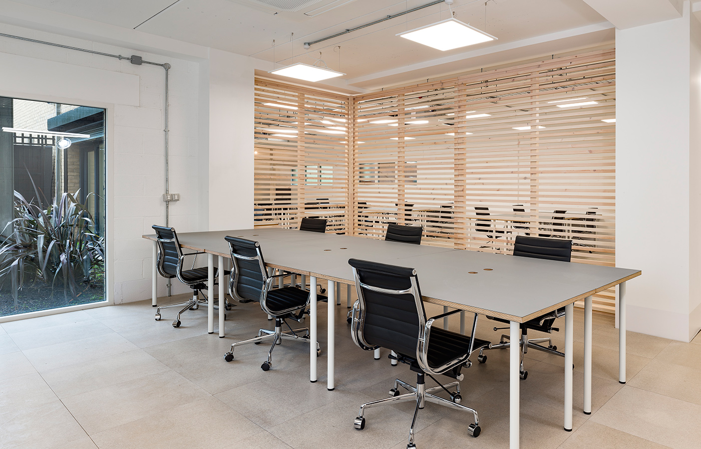 Aldworth James & Bond | Hackney Workspace - desks and partition