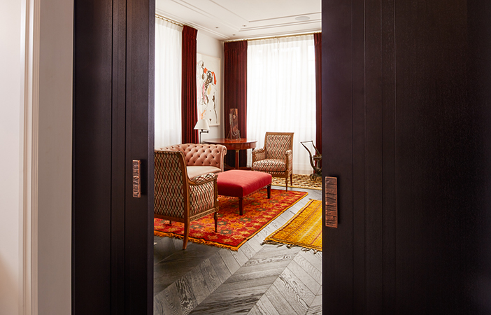 Aldworth James & Bond | Chelsea Residence | Living room doors
