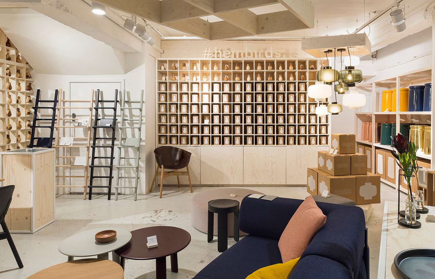 Aldworthjamesandbond Hem Single01