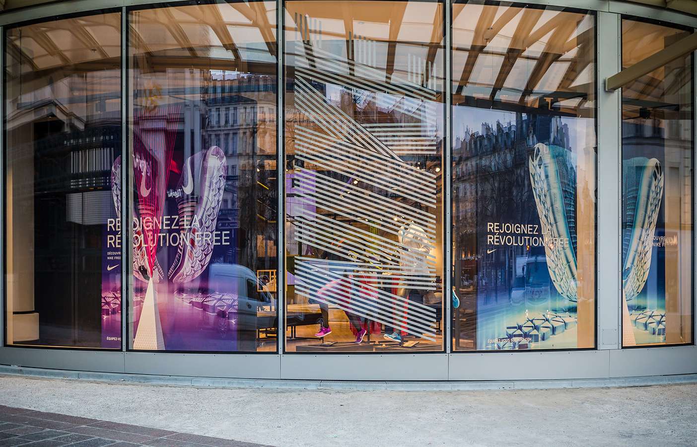 Aldworth James & Bond | Nike Store Les Halles signage