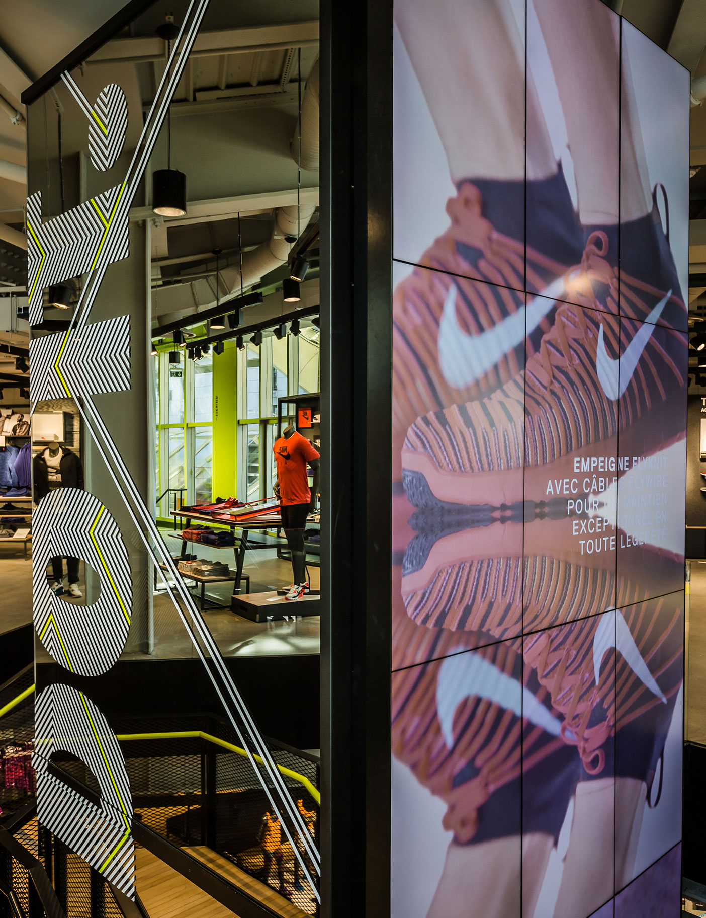 Aldworth James & Bond | Nike Store Les Halles - vinyl graphics