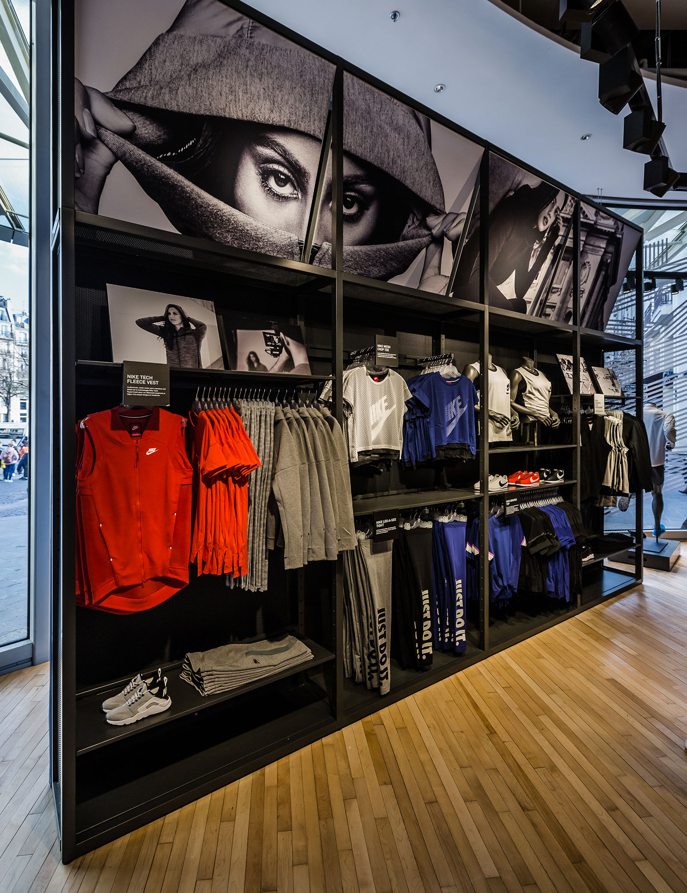 Aldworth James & Bond | Nike Store Les Halles - large format printing