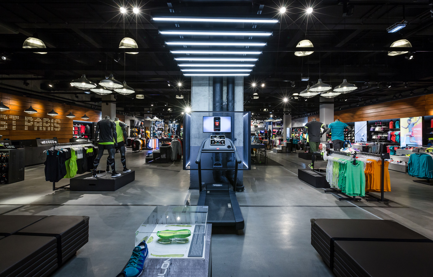 Nike Factory Store | Suite Nike brings inspiration and innovation to every athlete. Experience sports, training, shopping and everything else that's new at Nike in .