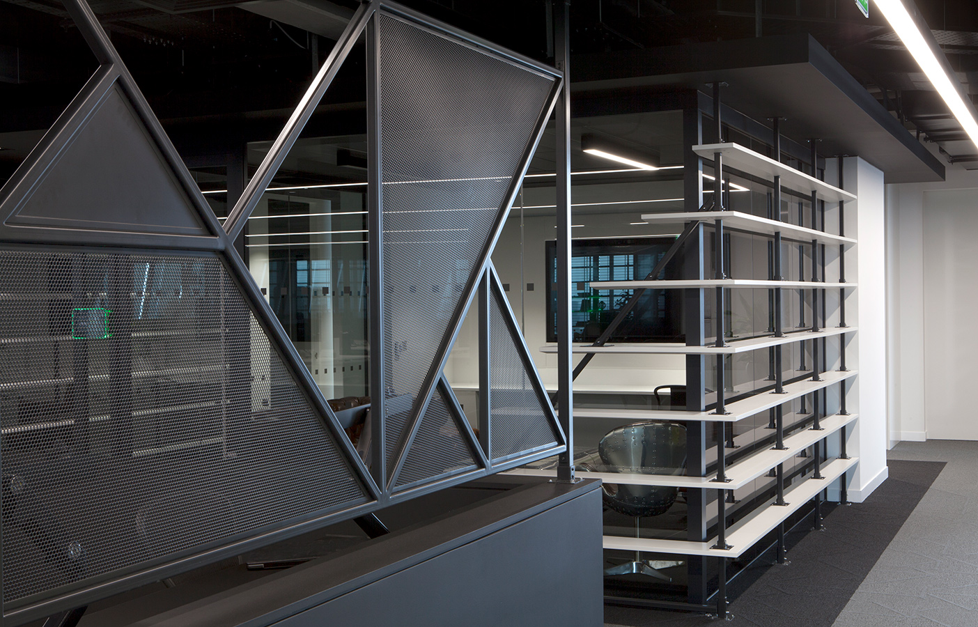 Aldworth James & Bond | The Leadenhall Building | Metal partitions separating hot desk area from main office