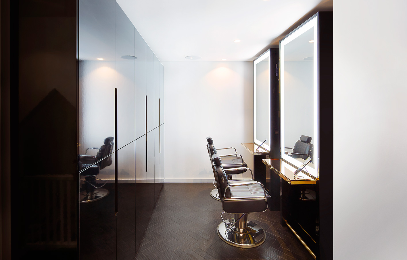 Aldworth James & Bond | SHOW Dry Wimbledon luxury salon VIP area
